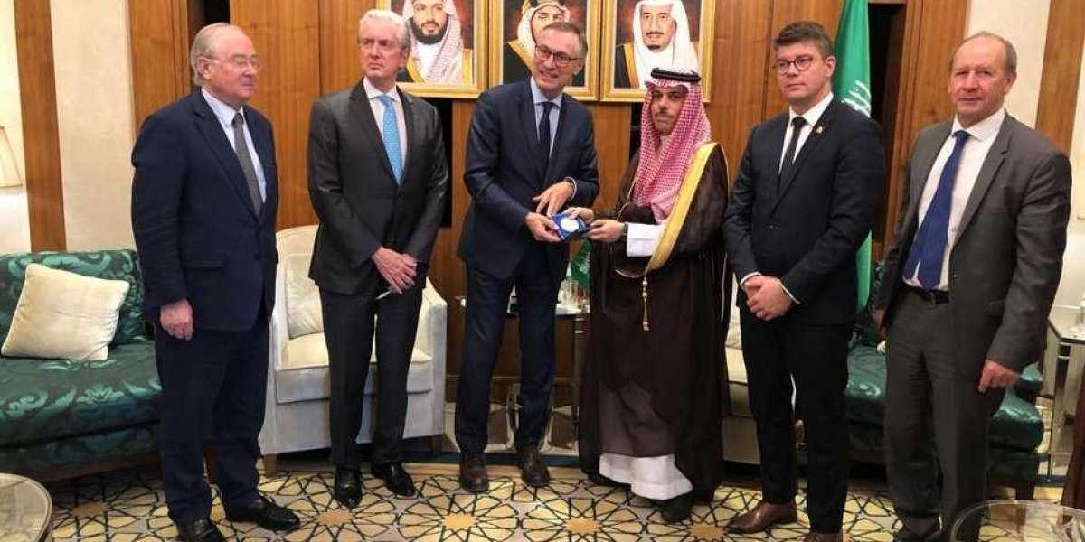 Les liens étroits de Jean Bizet avec l'Arabie Saoudite