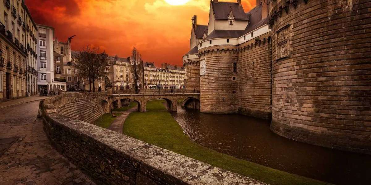 5 Reasons to visit Nantes, French Brittany